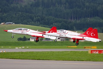 71-3066 - Turkey - Air Force : Turkish Stars Canadair NF-5A