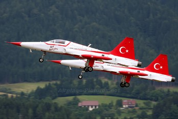 71-3058 - Turkey - Air Force : Turkish Stars Canadair NF-5A