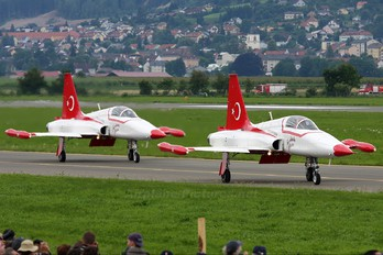 71-3055 - Turkey - Air Force : Turkish Stars Canadair NF-5A