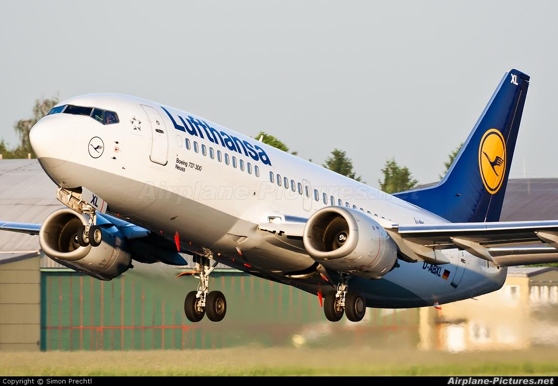 Lufthansa D-ABXL aircraft at Linz