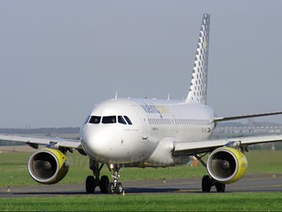 EC-JXJ - Vueling Airlines Airbus A319
