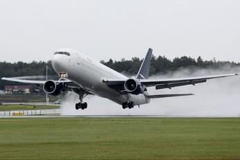 N125RD - Ryan International Airlines Boeing 767-300ER