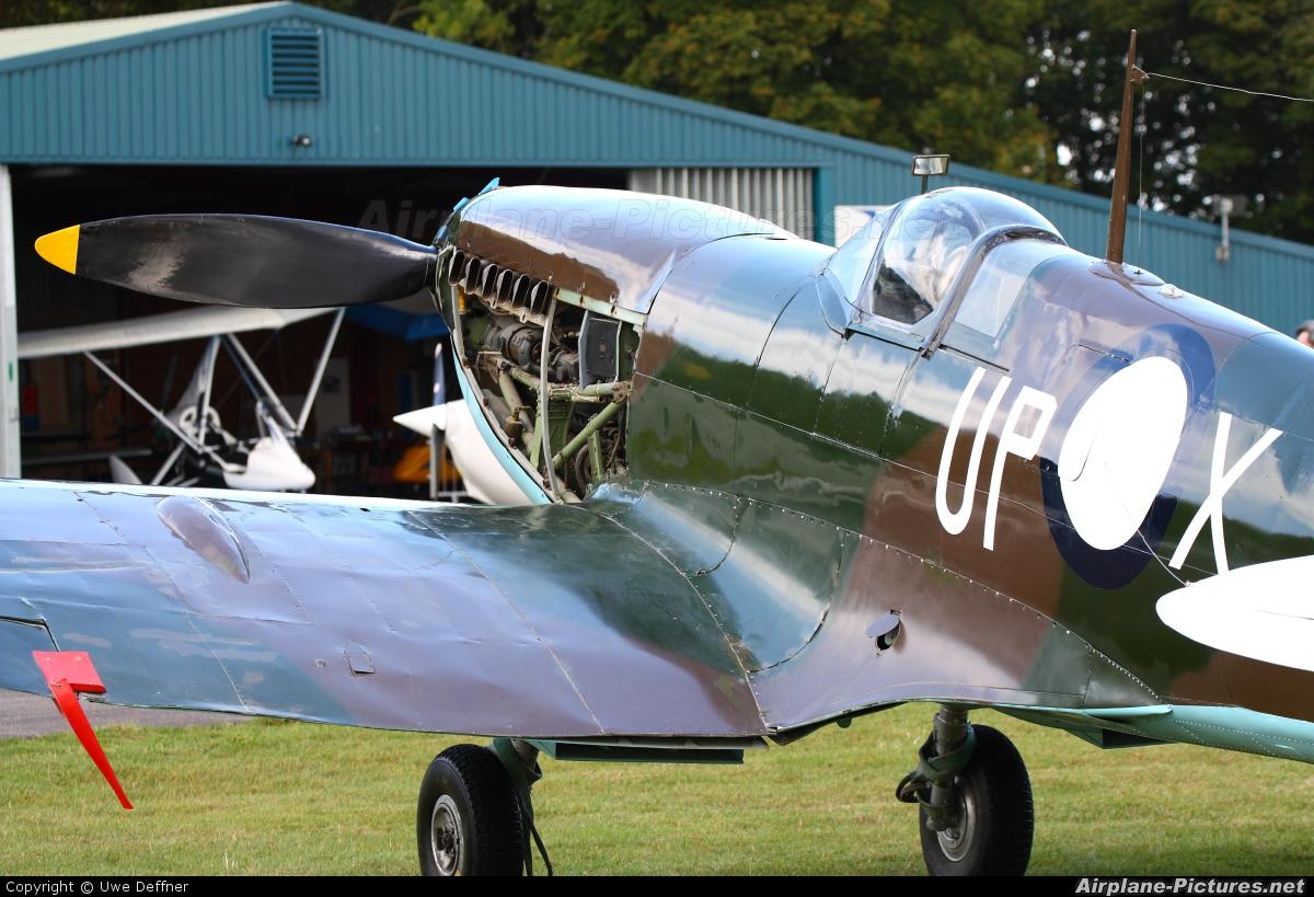 Private LZ844 aircraft at Kemble
