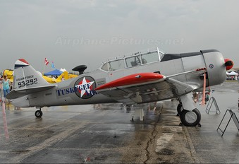 N747JE - Private North American Harvard/Texan (AT-6, 16, SNJ series)