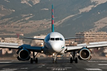 G-OOAV - First Choice Airways Airbus A321