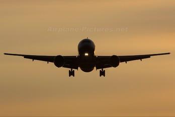 N79011 - United Airlines Boeing 777-200ER