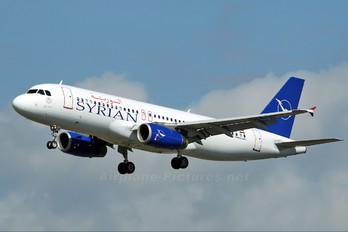 YK-AKD - Syrian Air Airbus A320