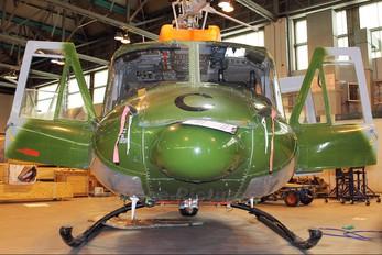 ZJ966 - British Army Bell 212