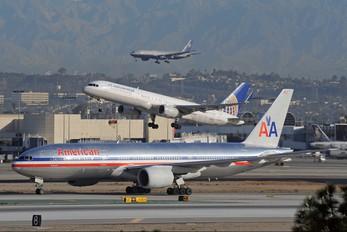 N792AN - American Airlines Boeing 777-200ER