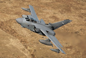 ZD812 - Royal Air Force Panavia Tornado GR.4 / 4A