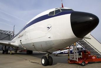 D-AFHG - Lufthansa Boeing 707-400