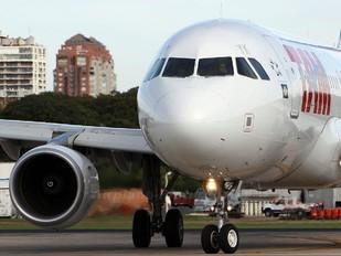 PR-MYK - TAM Airbus A320