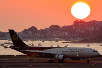 N122UP - UPS - United Parcel Service Airbus A300F