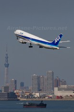 JA8287 - ANA - All Nippon Airways Boeing 767-300