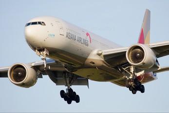 HL7755 - Asiana Airlines Boeing 777-200ER