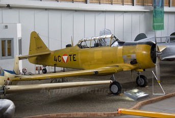4C-TE - Austria - Air Force North American Harvard/Texan (AT-6, 16, SNJ series)