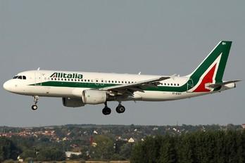 EI-DSH - Alitalia Airbus A320