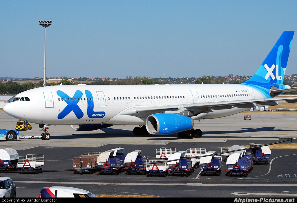 F grsq xl airways france airbus a330 200 at budapest for Airbus a330 xl airways interieur
