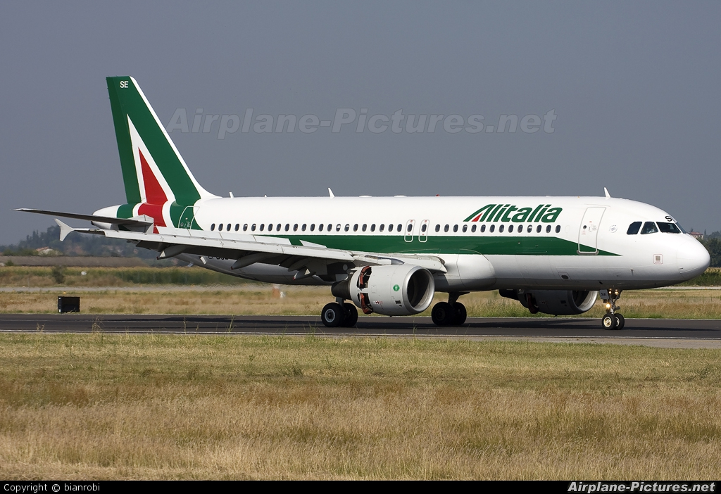 Alitalia EI-DSE aircraft at Verona - Villafranca