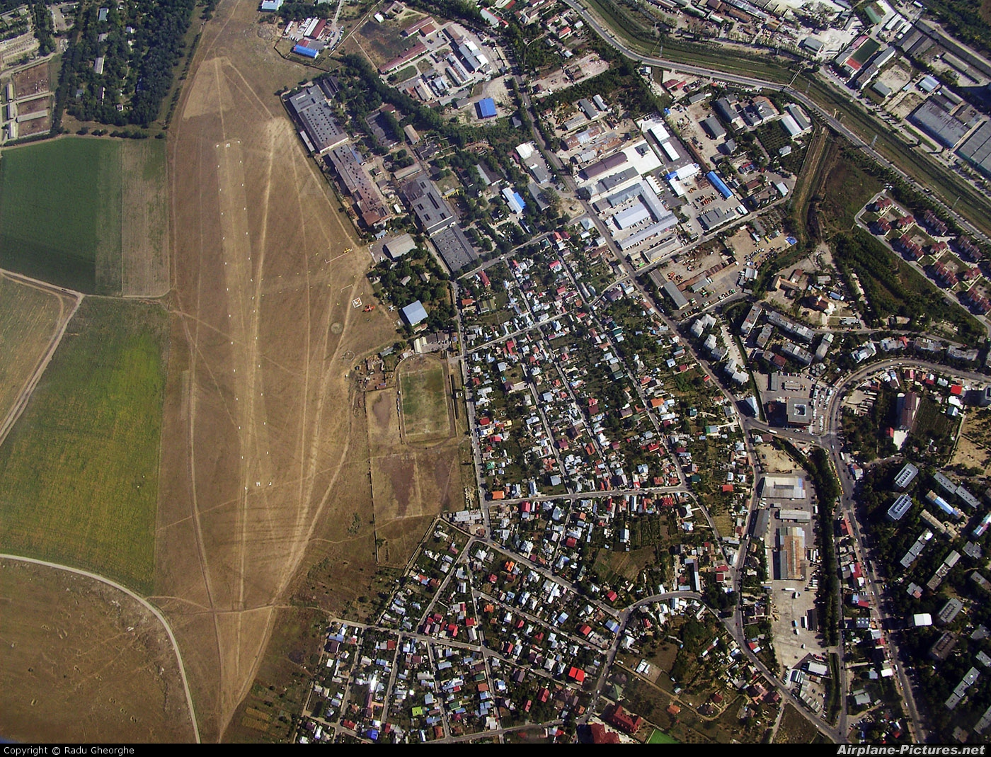 - Airport Overview - aircraft at Iasi-South