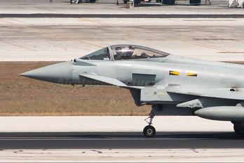 ZJ923 - Royal Air Force Eurofighter Typhoon FGR.4