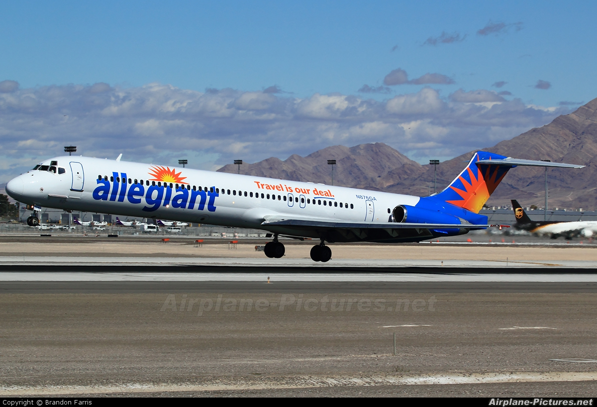 Allegiant Air N876GA aircraft at Las Vegas - McCarran Intl