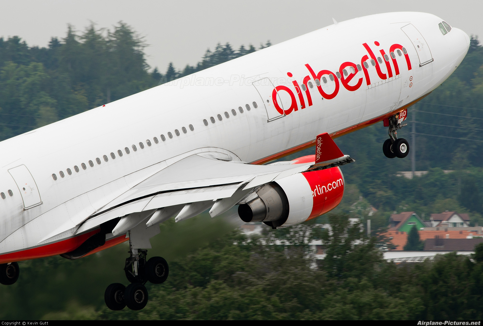 Air Berlin D-AERQ aircraft at Zurich