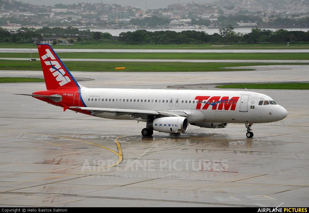 TAM PR-MAS aircraft at Rio de Janeiro/Galeão Intl - Antonio Carlos Jobim