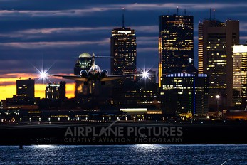 - - AirTran Boeing 717