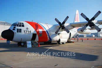 1714 - USA - Coast Guard Lockheed HC-130H Hercules