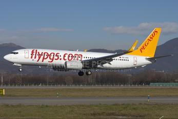 TC-AIS - Pegasus Boeing 737-800