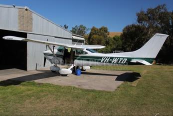 VH-WTD - Private Cessna 182 Skylane (all models except RG)