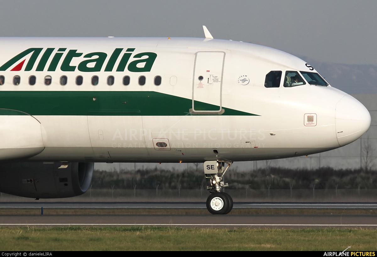 Alitalia EI-DSE aircraft at Rome - Fiumicino