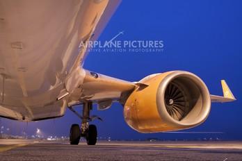 G-STRF - Iceland Express Boeing 737-700