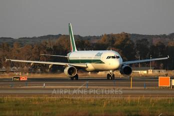 EI-IXD - Alitalia Airbus A321