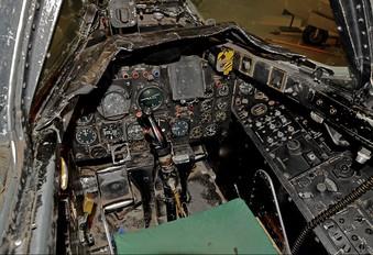 100785 - Canada - Air Force Avro Canada CF-100 Canuck Mk. 5D