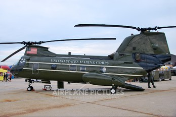 157680 - USA - Marine Corps Boeing CH-46E Sea Knight