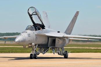 165806 - USA - Navy McDonnell Douglas F/A-18F Super Hornet