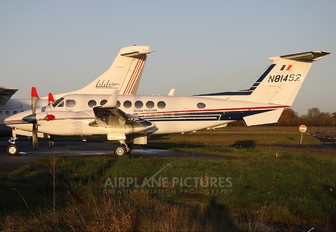 N81452 - France - Customs Beechcraft 300 King Air 350