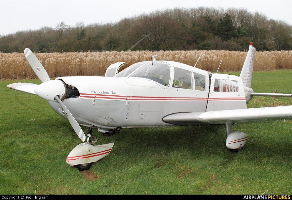 Private N257SA aircraft at Wadswick Farm Strip