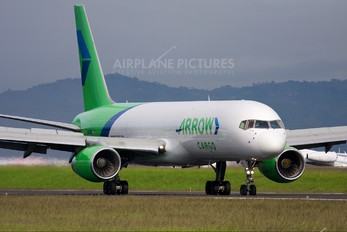 N688GX - Arrow Cargo Boeing 757-200F