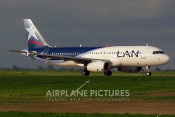 LV-BRY - LAN Argentina Airbus A320