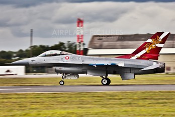 E-194 - Denmark - Air Force General Dynamics F-16A Fighting Falcon