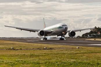 EI-ISD - Alitalia Boeing 777-200ER