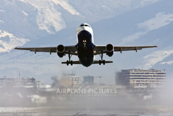 G-TTOE - easyJet Airbus A320