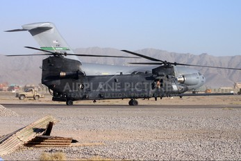 85-24346 - USA - Army Boeing MH-47D Chinook