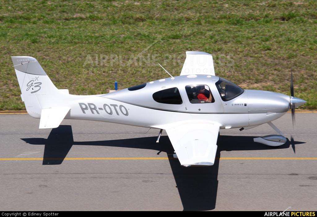 Private PR-OTO aircraft at Jundiaí, SP
