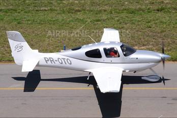 PR-OTO - Private Cirrus SR22
