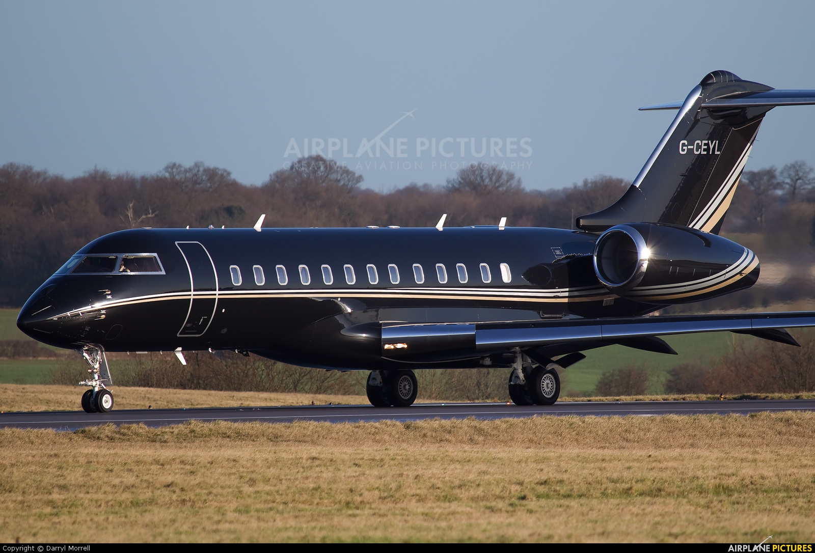 GCEYL  Private Bombardier BD700 Global Express At London  Luton  Photo I