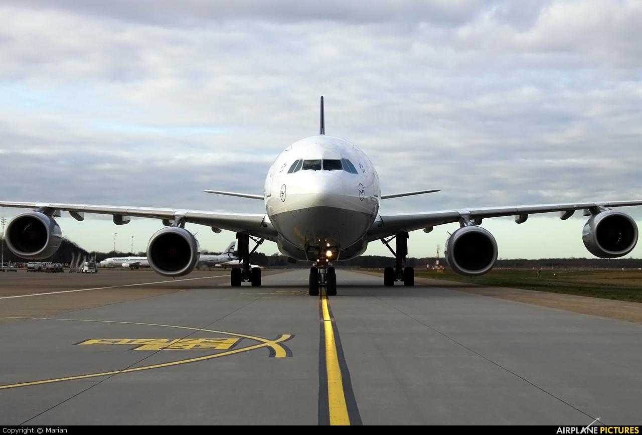 Lufthansa D-AIHI aircraft at Berlin - Tegel